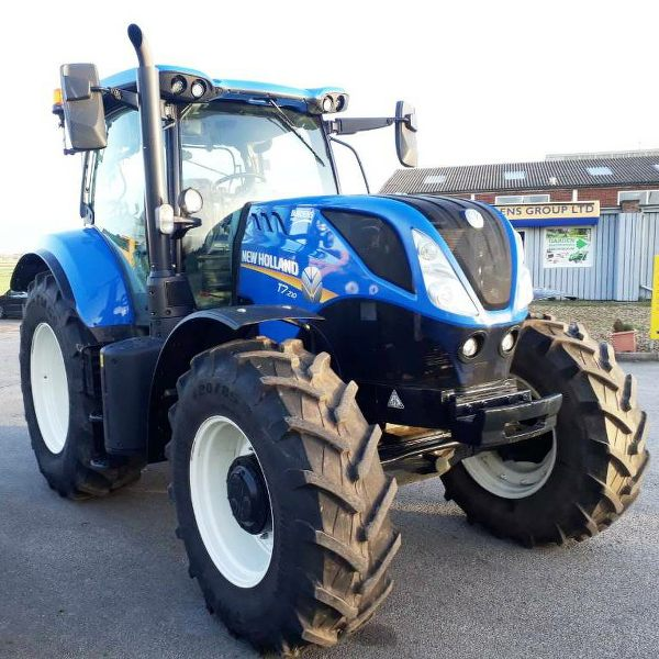 new-holland-t7-210-hire-tractor-uk-1